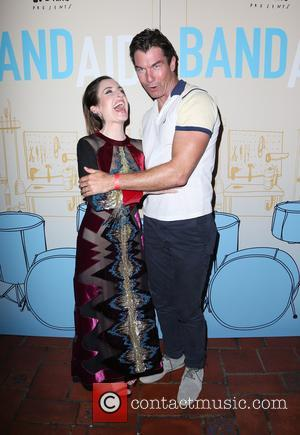 Zoe Lister-jones and Jerry O'connell