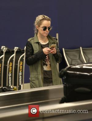 Taryn Manning arrives at LAX Airport - Los Angeles, California, United States - Monday 26th June 2017