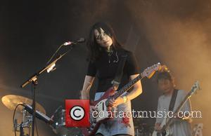 Warpaint, Theresa Wayman and Jenny Lee Lindberg