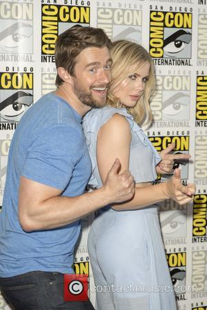 Robert Buckley and Rose Mciver