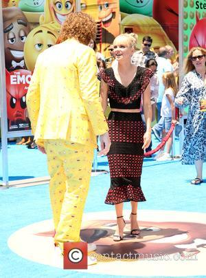 T.j. Miller and Anna Faris