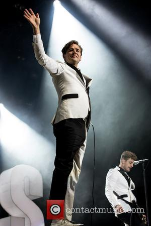The Hives and Howlin' Pelle Almqvist