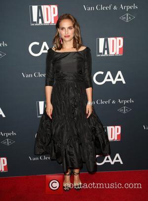 Natalie Portman Returns To Rap In Hilarious 'SNL' Sketch