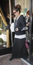 Brooke Burke, Pregnant With Her Second Child Shops For Baby Clothes and Accessories At Bel Banbini On Robertson Boulevard