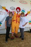 Cole Sprouse, Ronald Mcdonald and Dylan Sprouse