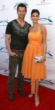 James Denton and Teri Hatcher