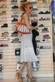 'Desperate Housewives' star Felicity Huffman shops for shoes...