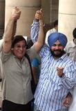 Vinod Khanna and Navjot Sidhu before voting at...