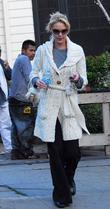 27 Dresses star Katherine Heigl leaves her home...