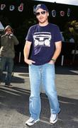 Entourage Star Kevin Connolly Gets A Flat Tire While Out At Fred Segal
