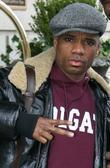 Gospel Singer Kirk Franklin Carrying A Large Shopping Bag While Leaving His Manhattan Hotel