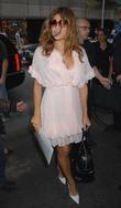 Eva Mendes, MTV, Mtv Trl Studios