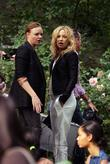 Stella Mccartney and Kate Hudson