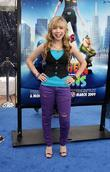 Jennette McCurdy and Aliens