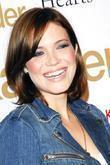 file photos moore amp adams to wed mandy moore and