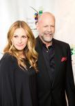 Julia Roberts and Bruce Willis