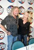 Olivia Newton John and Barry Gibb Press conference...