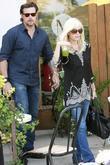 Tori Spelling and Dean McDermott leaving after having lunch at a Santa Monica restaurant