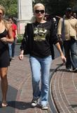 Holly Madison out shopping in Hollywood with friends...