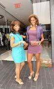 Elise Neal and Claudia Jordan Buying Strawberries On Robertson Boulevard After Having Lunch At The Ivy