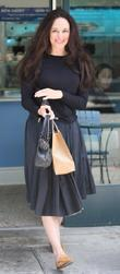 Madeleine Stowe Enjoys A Frozen Yoghurt At A Cafe In Beverly Hills