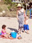 Nadya Suleman Aka Octomom Spent The Afternoon At San Clemente State Beach With Four Of Her Children