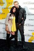 Kellan Lutz, Ashley Greene meet, sign autographs at Nordstrom and Hot Topic 'The Twilight Saga: New Moon' cast tour