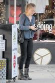 Amanda Seyfried 'Dear John' star leaving Urth Caffe...