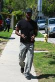 'lost' Star Harold Perrineau Walks Back To His Home After Lunching With Friends At Le Pain Quotidien Restaurant In Beverly Hills