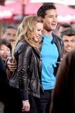 Hilary Duff, Mario Lopez