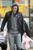 Jennifer Love Hewitt's new boyfriend, Alex Beh, gets...