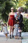 Laeticia Hallyday Leaving The Ivy Restaurant In West Hollywood With Her Daughters
