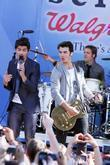 Joe Jonas and Jonas Brothers