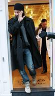 Keanu Reeves out and about shopping in Covent...