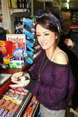 Cher Lloyd X Factor Finalists stops at a...