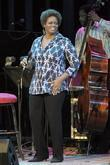 dianne reeves performing on stage at the queen eliz