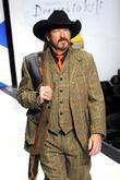 kix brooks dressed to kilt charity fashion show at