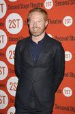 Jesse Tyler Ferguson, Lisa Howard