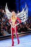 Model, Miranda Kerr, Victoria's Secret