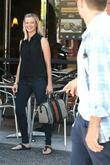 Amy Smart has lunch at The Farm and...