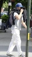 Casey Affleck  tries to avoids the paparazzi...