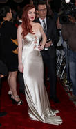 lindsay lohan arrives at the premiere of liz and di