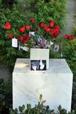 fans visit michael jackson s tomb at forest lawn ce