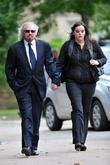 barry gibb and his daughter the funeral of robin gi