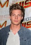 Hunter Parrish KIIS 102.7 Teen Choice Awards Lounge...
