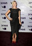 Elisha Cuthbert and VH1 Divas