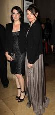 Melanie Lynskey and Clea Duvall