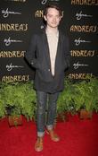 Elijah Wood Laughs Off Dj Frodo Rumour