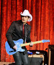 "Brad Paisley Talks 'Accidental Racist' on Jay Leno: ""Something Good can Come of This"""