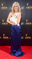 Lucy Durack : TAXI (DOG)  TH